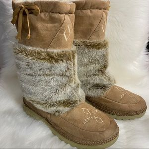 Native American Embroidered Beige Furry Boots 11